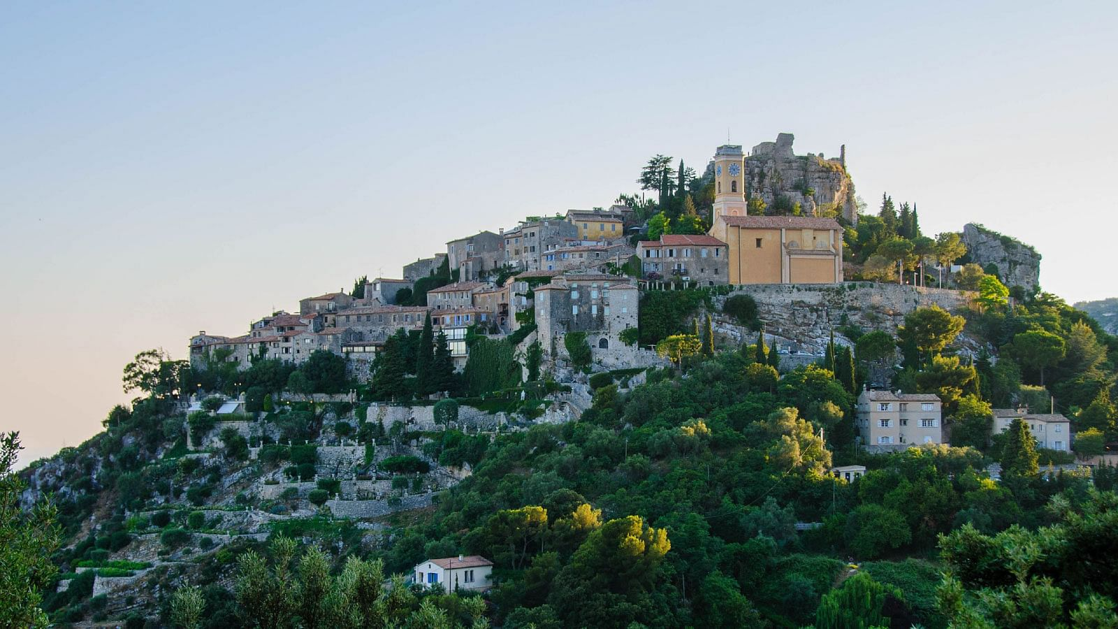 Eze Village - Eze-sur-Mer - Eze South of France - Eze to Nice - Eze to Monaco - best places in Eze - family trip - FR